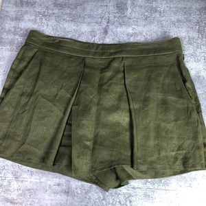 J Crew • Linen Crossover Shorts Green 4
